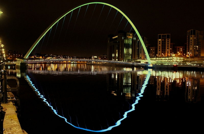 Мост Тысячелетия в Гейтсхеде. Фото: calflier001 via Wikimedia Commons. Лицензия CC-BY-SA-2.0
