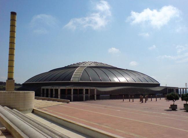 Спорткомплекс «Палау Сант Жорди». Фото: Everyme via Wikimedia Commons. Фото находится в общественном доступе