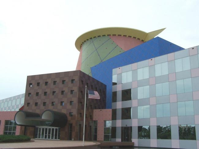 Офисное здание Team Disney Orlando. Фото: Matt Dempsey via flickr.com. Лицензия CC BY-SA 2.0