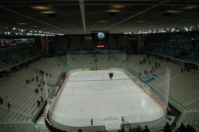 Олимпийский хоккейный стадион. Фото: Francesco Gasparetti via Wikimedia Commons. Лицензия  Creative Commons Attribuzione 2.0 Generico