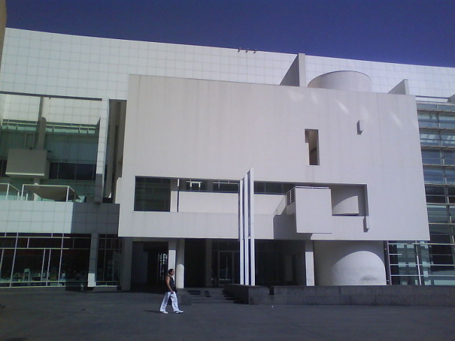 Музей современного искусства MACBA. Фото: Kim FOR sure via Wikimedia Commons. Лицензия CC-BY-SA-3.0