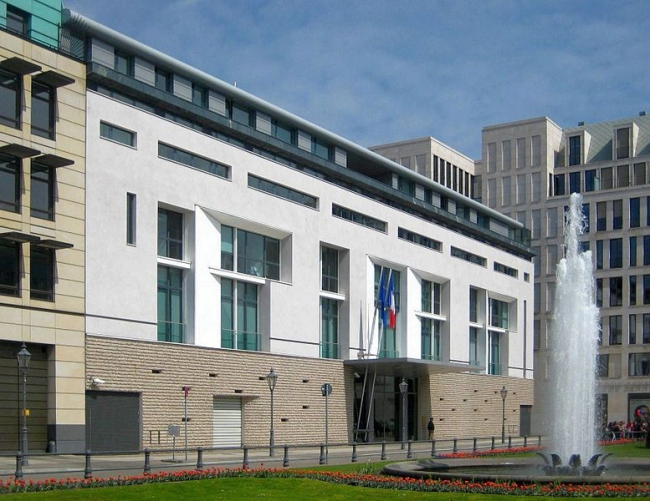 Посольство Франции в Германии. Фото: Beek100 via Wikimedia Commons. Лицензия CC-BY-SA-3.0