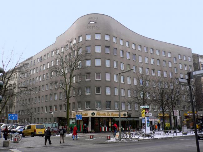 Жилой комплекс Schlesisches Tor. Фото: Georg Slickers via Wikimedia Commons. Лицензия  GNU Free Documentation License, Version 1.2