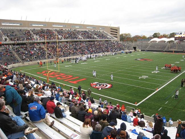 Стадион Принстонского Университета. Фото: Roman Fuchs via Wikimedia Commons. Лицензия GNU Free Documentation License, Version 1.2