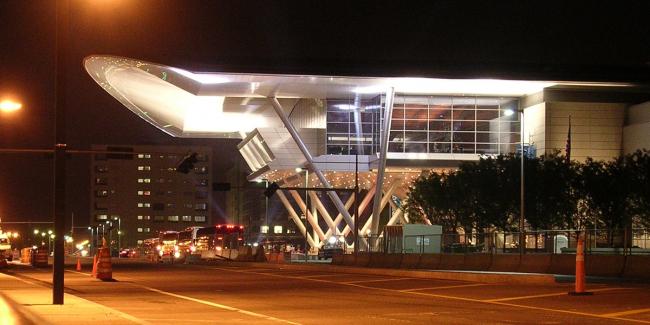 Выставочный комплекс и конгресс-центр в Бостоне. Фото: Generaltso via Wikimedia Commons. Лицензия CC BY-SA 3.0