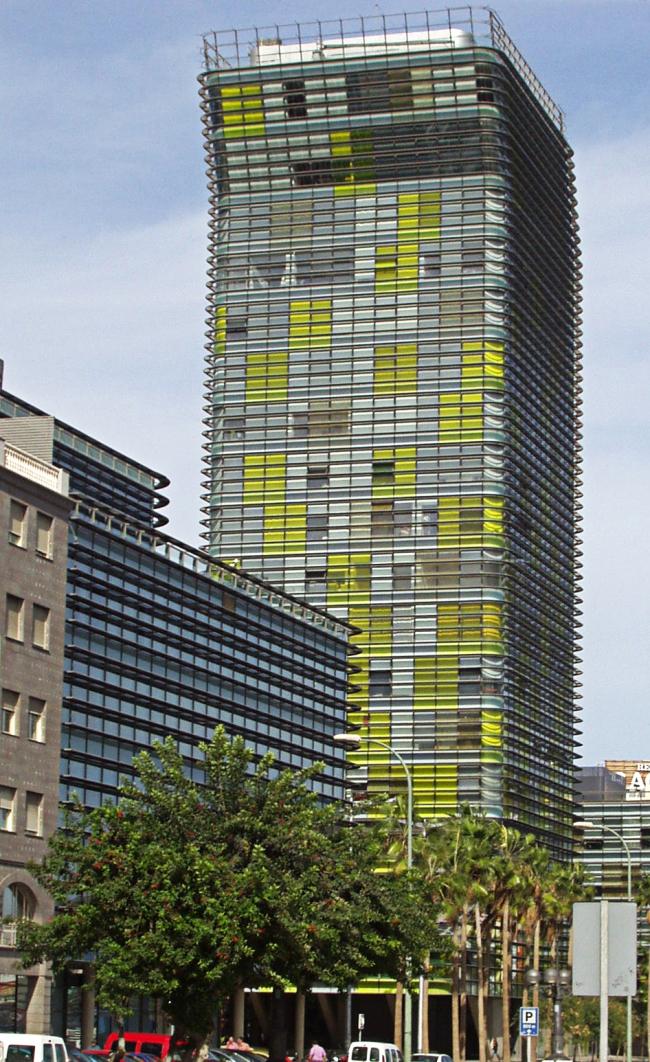 Башня и площадь Воэрманн. Фото: Walter Gulielminetti via Wikimedia Commons. Лицензия CC-BY-SA-3.0