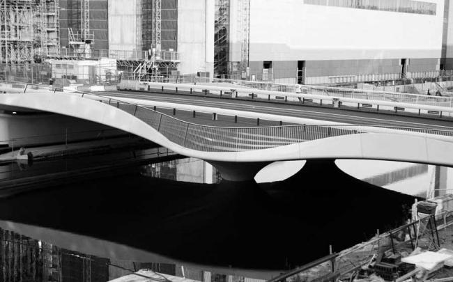 Мост Спенсер-док-бридж © Gidon Fuehrer