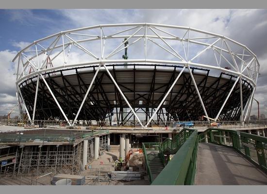 Олимпийский стадион 2012 в процессе строительства. Апрель 2009