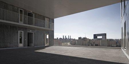 Жилой комплекс «Селосия». Фото © Ricardo Espinosa. Вдали – комплекс «Мирадор»