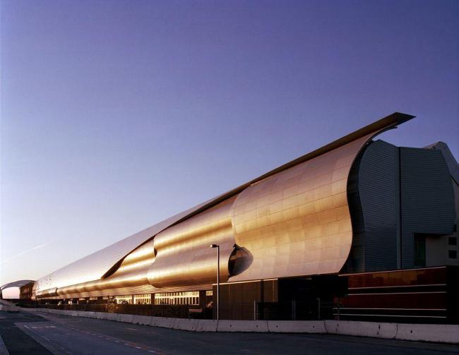 Терминал B Международного аэропорта Сан-Хосе - Зал ожидания. Фото © Sherman Takata
