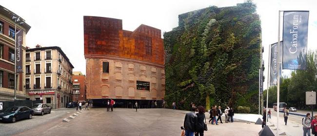 Центр Caixa Forum. Фото: Carles Escrig i Royo via Wikimedia Commons. Лицензия CC-BY-2.0