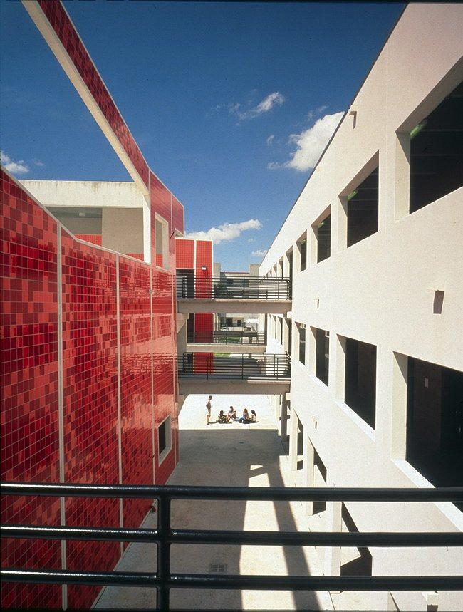 Архитектурная школа Пола Л. Сехаса, Международный университет Майами © Bernard Tschumi Architects