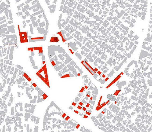 Генплан центра города Корча. Красным цветом отмечены новые постройки