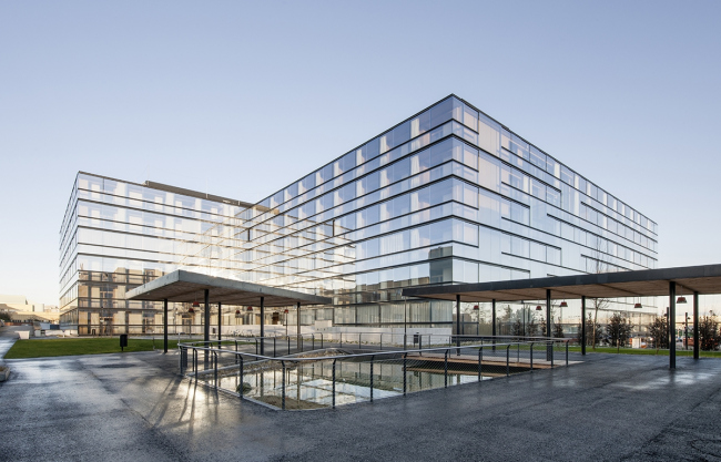 Комплекс жилья для престарелых Geriatriezentrum Donaustadt - реконструкция © Delugan Meissl Associated Architects