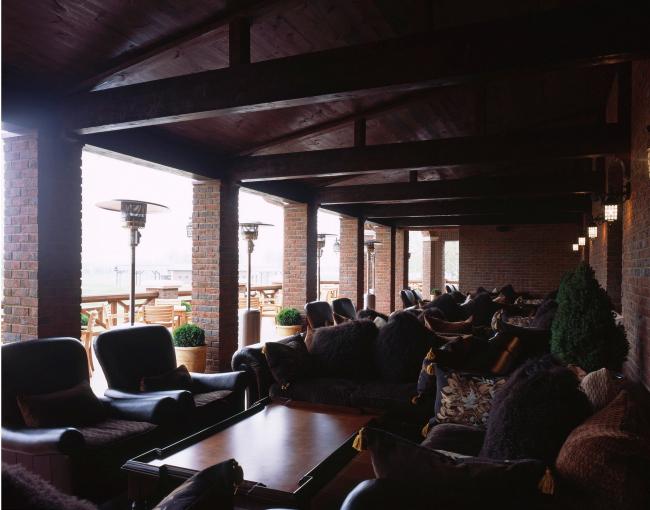 Гольф и яхт-клуб «Пестово» © «Архитектурные мастерские – Классика»