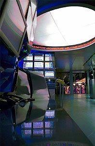 Интерьер торгового зала Нью-йоркской фондовой биржи. 1998 г.