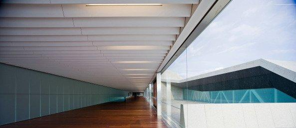 Центр выставок и конгрессов © Miguel de Guzman