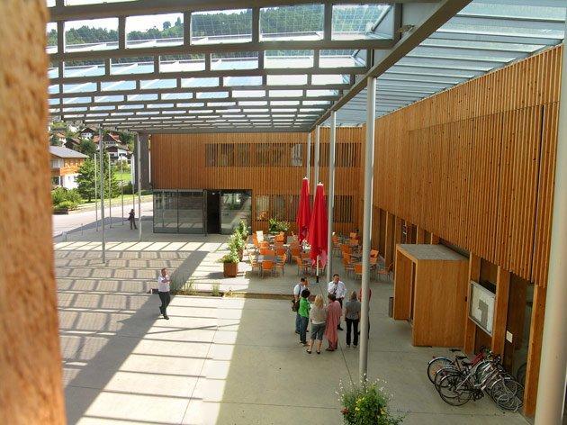 Административно-общественный центр в Людеш,Австрия, Герман Кауфман. 2005. Фото: Надежда Щема
