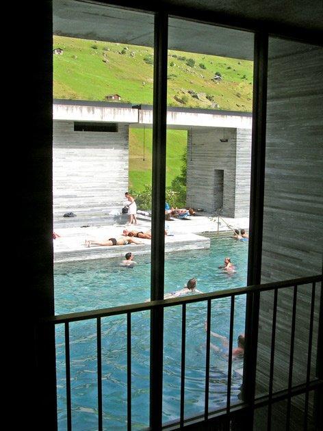 Термы в Вальсе, Швейцария. вид изнутри, Петер Цумтор. Фото: Надежда Щема