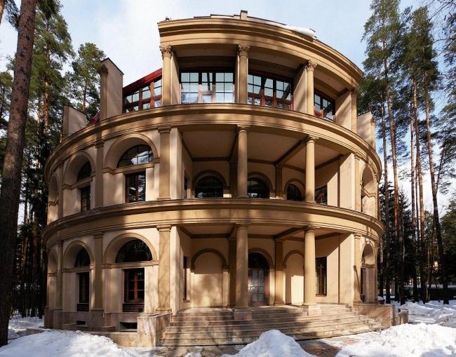 Жилой дом на Николиной горе. Мастерская Михаила Филиппова