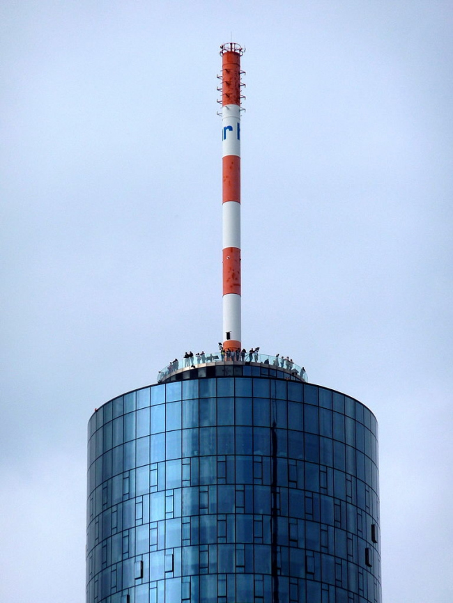 Небоскрёб Main Tower. Фото: Frank Behnsen via Wikimedia Commons. Лицензия GNU Free Documentation License, Version 1.2