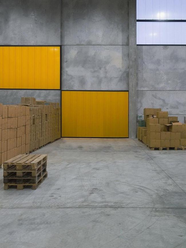 Бетонный контейнер © Tomaz Gregoric