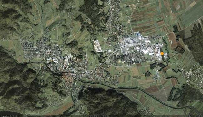 Бетонный контейнер. Вид на местность и здание из космоса