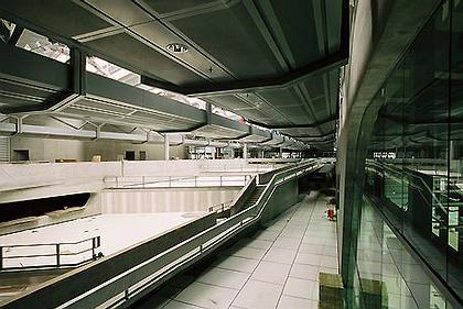 Центральное здание завода BMW