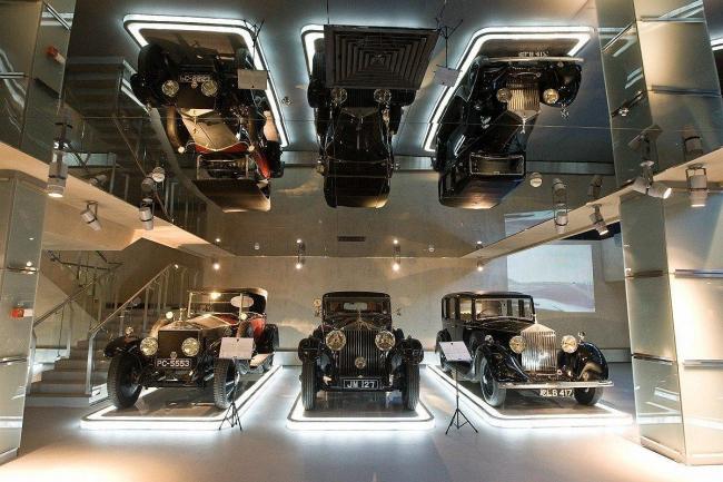 Музей уникальных автомобилей «Автовилль», расположенный в здании «Фьюжн-парка», построенном по проекту Владимира Плоткина, сменил свой дизайн. Новый дизайн будет показан на одной из экскурсий III Дней архитектуры