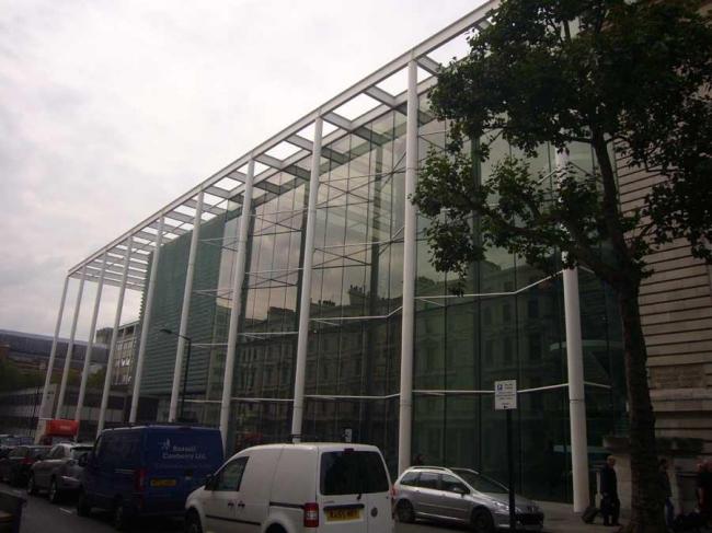 Школа бизнеса Империал-колледжа. Норман Фостер. 2000-2004