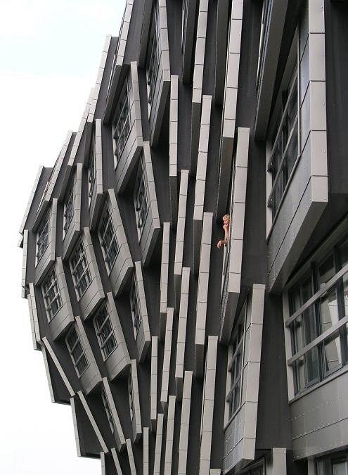 Block 16, Алмере