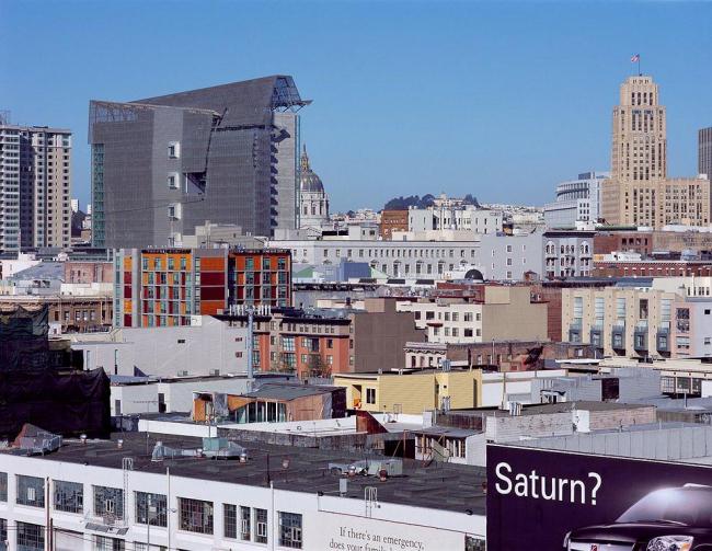 Административное здание в Сан-Франциско. Фото © Roland Halbe