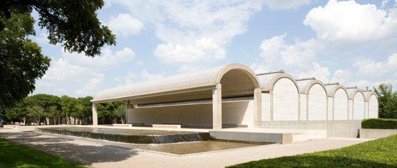 Художественный музей Кимбелл, Форт-Уорт, Техас, Строительство 1969-72 гг. Вид со стороны Юго-запада Photo © Robert LaPrelle, Kimbell Art Museum, Fort Worth