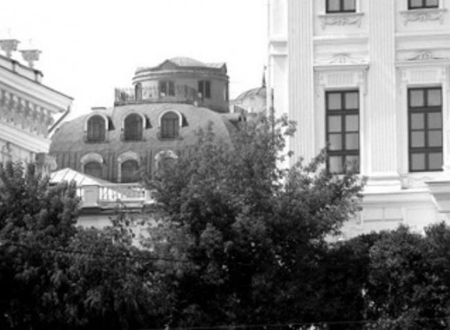 Двухэтажная мансарда с жилым бельведером на доме 13 по Знаменке
