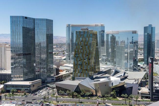 Общий вид комплекса CityCenter. Фото: Tristan Surtel via Wikimedia Commons. Лицензия CC-BY-SA-4.0