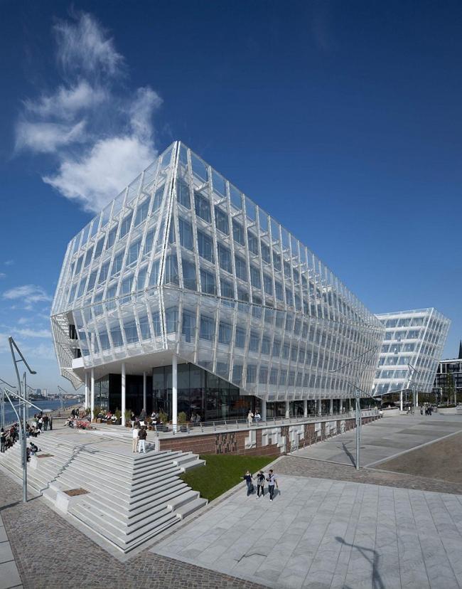 """Проект – победитель раздела """"Office"""" (Офис) – офисный центр Unileverhaus в Гамбурге, Германия. Проект бюро """"Behnisch Architekten"""", Германия. Фото: Adam Mork"""