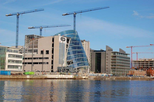 Дублинский конференц-центр в процессе строительства. Фото: TomAlt via Wikimedia Commons. Лицензия CC-BY-SA-2.5