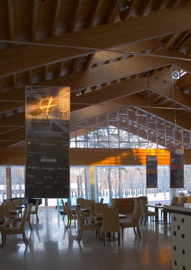 Выставка лауреатов премии Dedalo Minosse в здании Гольф-клуба (арх. Т. Кузембаев). Курорт «ПИРогово».