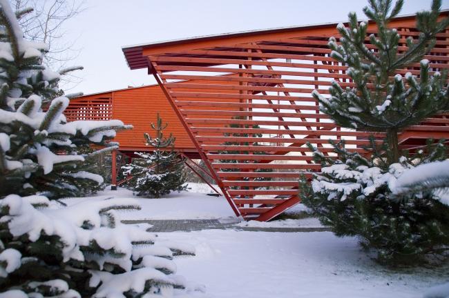 Знаменитые «Красные гостевые домики» – один из первых проектов, реализованных Тотаном Кузембаевым на территории курорта «ПИРогово» и принесший ему широкую известность