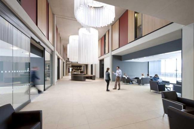 Больница CircleBath © Foster+Partners