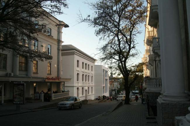 Торговый пассаж с офисными помещениями в Севастополе