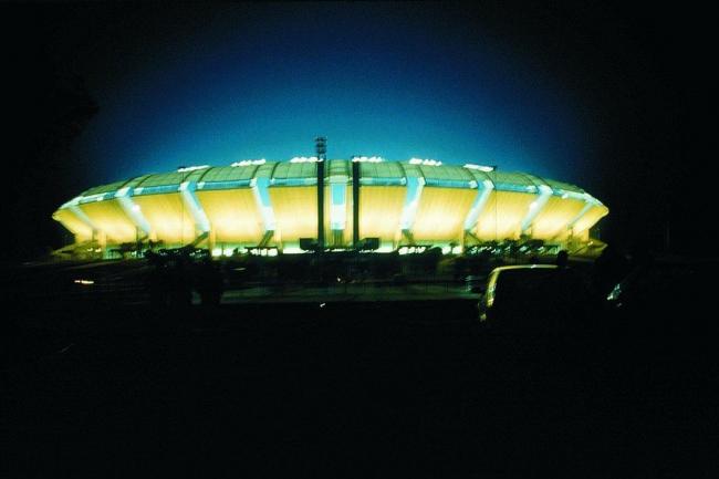 Стадион Сан Никола, Бари, Италия Ренцо Пьяно, 1990. Фото © Michel Denancé
