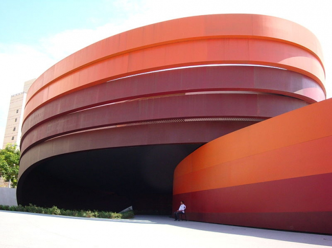Музей дизайна в Холоне. Фото: שאולה הייטנר via Wikimedia Commons. Лицензия CC-BY-2.5