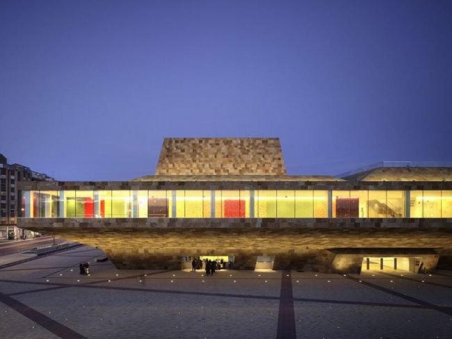 Театр и конгресс-центр «Ла Льотха» © Mecanoo