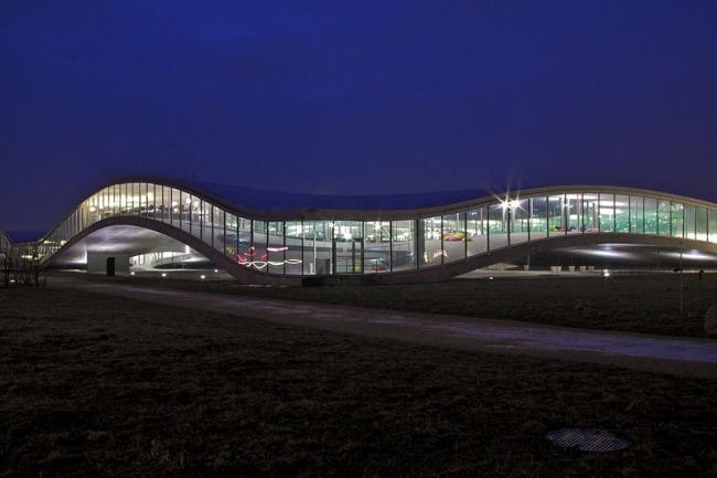Учебный центр Rolex Федеральной политехнической школы Лозанны. Фото: Mikado1201 via Wikimedia Commons. Лицензия CC-BY-SA-3.0