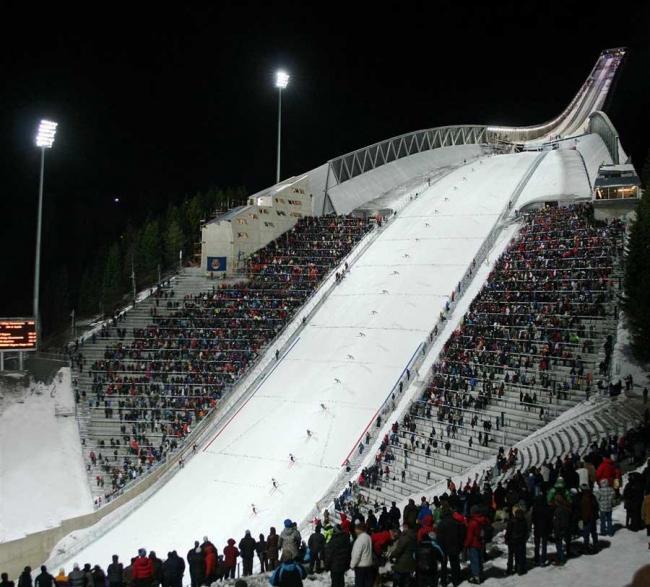 Лыжный трамплин в Хольменколлен. Пробное использование