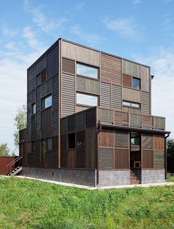 Wood Patchwork House. Арх. Петр Костелов