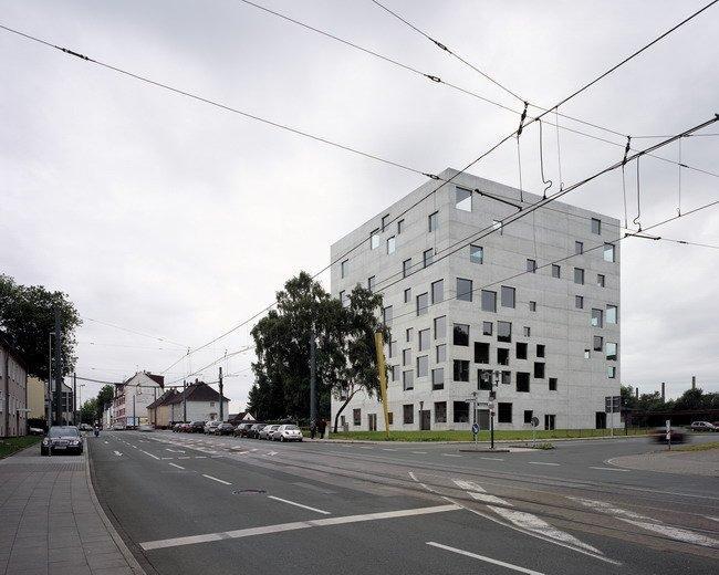 Школа менеджмента и дизайна Цольферайн в Эссене. 2006. Photos by Hisao Suzuki, Courtesy of SANAA
