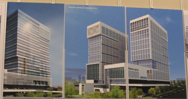 Справа - новый вариант фасадов (представлен на общественный совет 21 апреля 2010).