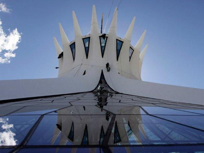 Собор Богоматери. Архитектор Оскар Нимейер. 1970